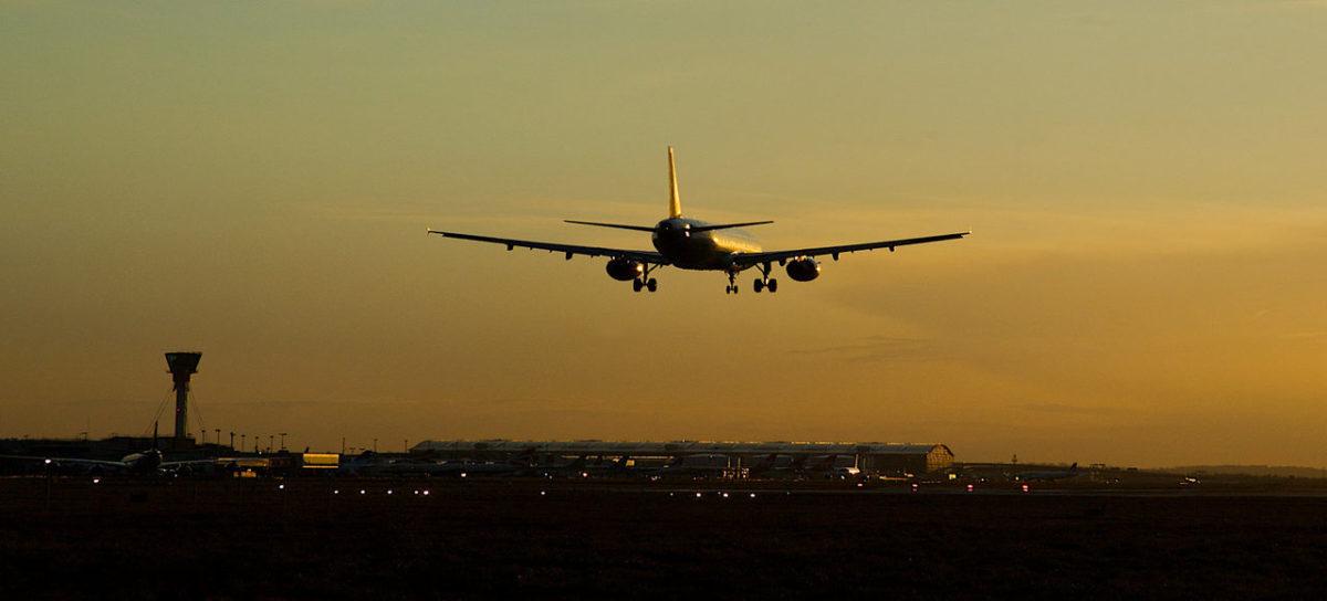 rsz_1rsz_airplane_landing